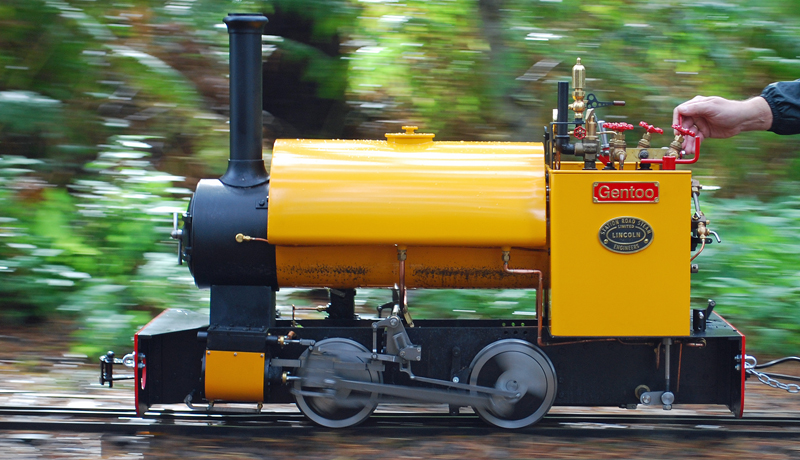 Driving tips for a miniature steam locomotive